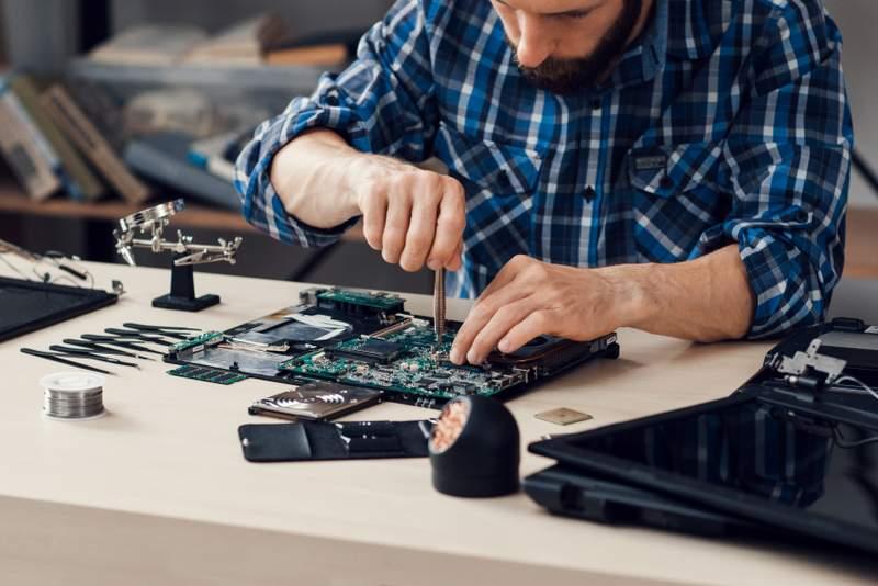 serwis laptopów warszawa wymiana matrycy w laptopie